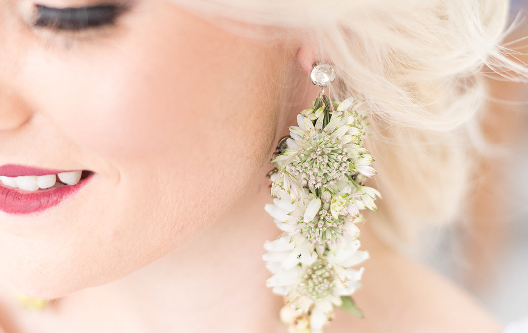 Trend alert: Fresh flower Wedding Accessories
